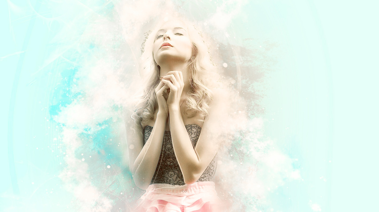 光が当たる若い女性のイメージ。水素を身にまとっている。